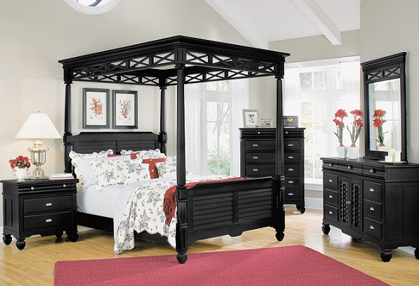 Good Quality Black Queen Canopy Bed